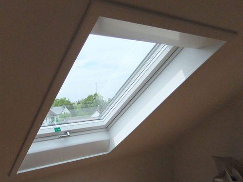 dachfenster einbau austausch dachfenster rest bedachungen gmbh dachfenster einbauen. Black Bedroom Furniture Sets. Home Design Ideas